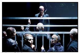 Från Göteborgsoperans uppsättning av tolvskillingsoperan. Foto: Ola Kjellbye.