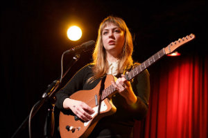 Angel Olsen. Foto: Abby Gillardi CC-by-2.0.