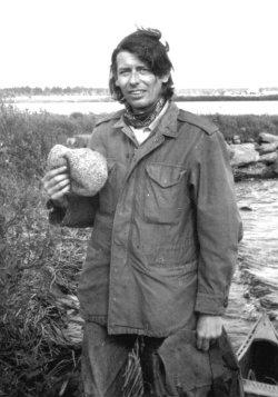 Johnthompson 1971. Foto: Jbsimons. CC BY-SA 3