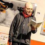 Henry Bronett inledde årets sista Ordet i Centrum med läsning av två korta humoristiska berättelser