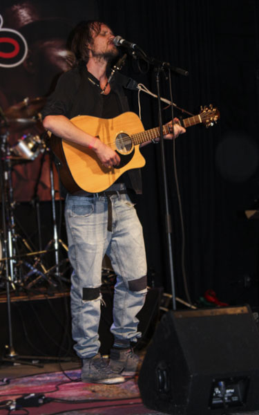 Anton Olsve spelade Niel Young-inspirerad Americana. Foto: Peter Nyberg.