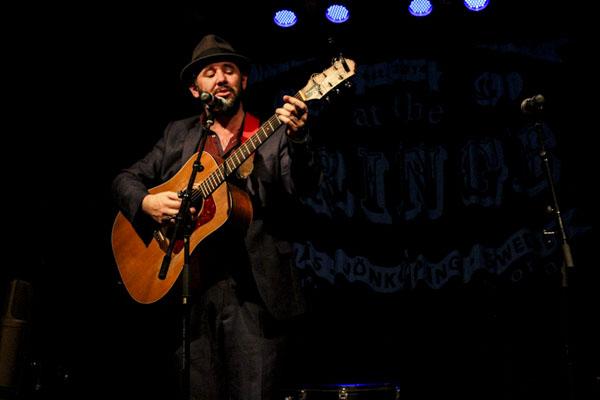 Paul Creane avslutade aftonen med vackra, melankoliska irländska sånger.
