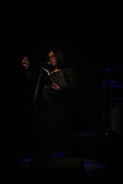 Cecilia Persson läste ur sin nysläppta Självmotsägelser. Foto: Peter Nyberg.