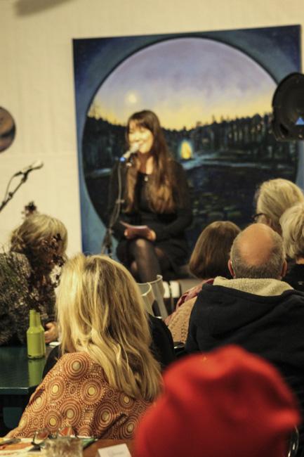 En stor publik hade sökt sig till Matmekka för att lyssna på Lina-Ottilia Karlssons. Foto: Peter Nyberg.